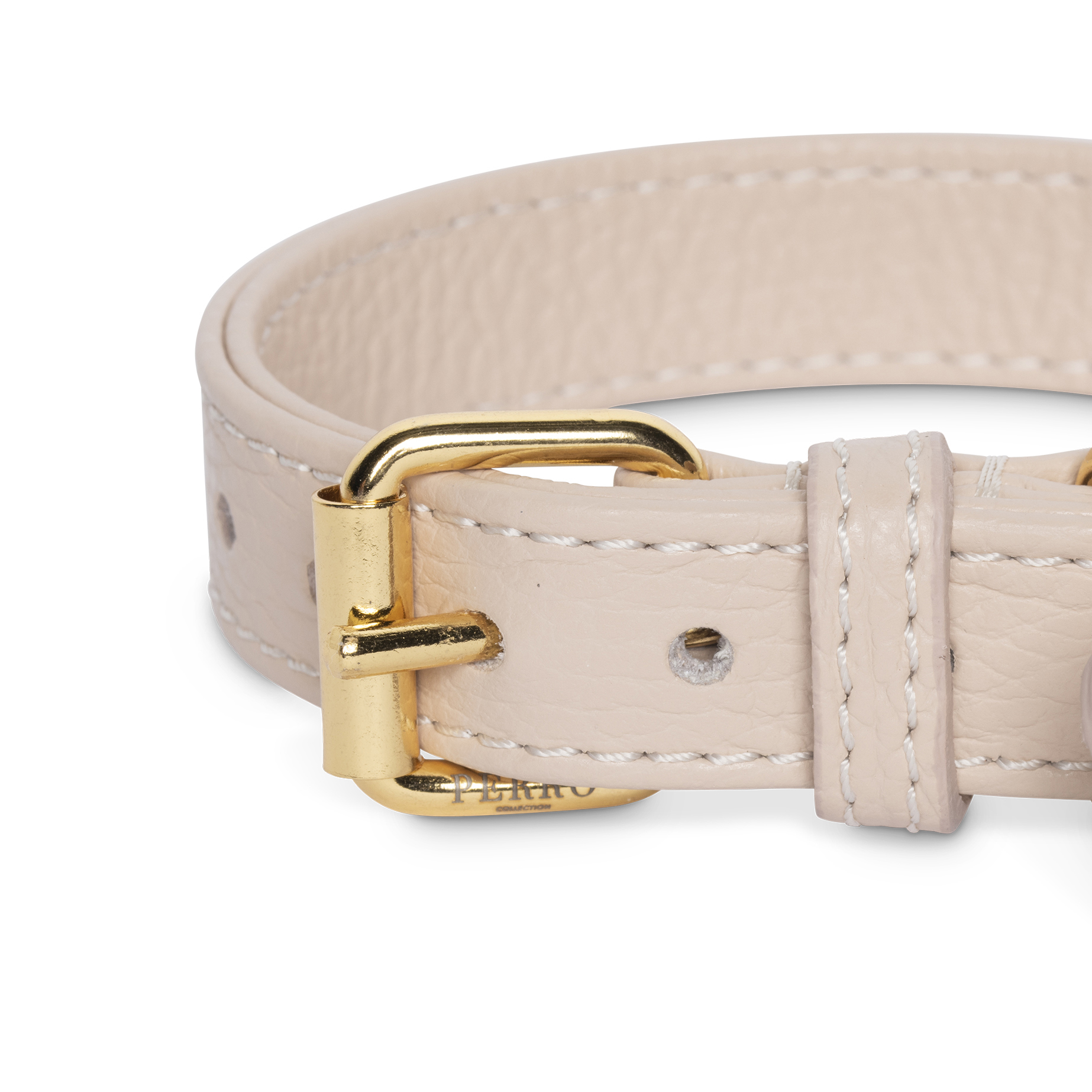 Dusty pink collar close up
